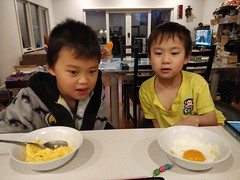 Isaac eating scrambled eggs, Liam eating fried egg (avlxyz) Tags: