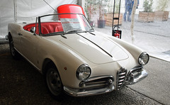 Alfa Romeo Giulietta spider 1300 (1960) (baffalie) Tags: auto voiture ancienne vintage classic old car coche retro expo italia sport automobile racing motor show collection club course race circuit italie padoue fiera