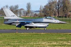 Royal Netherlands Air Force F-16AM J-871 (Gideon van Dijk) Tags: ehlw lwd leeuwarden leeuwardenairbase vliegbasis vliegbasisleeuwarden aviation aircraft airport airplane vliegtuig vliegveld plane planespotting planes luchthaven luchtvaart klu koninlijke koninklijke luchtmacht koninklijkeluchtmacht rnlaf royalnetherlandsairforce royal netherlands air force fighter jet