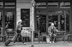 berlin ... (andrealinss) Tags: berlin bw berlinstreet blackandwhite kreuzberg kreuzberg36 kreuzbergstreet schwarzweiss street streetphotography streetfotografie andrealinss 35mm