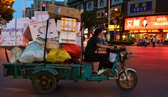 Anting - Waiting for green... (cnmark) Tags: china road street town shanghai district tricycle scene overloaded anting jiading xinyuan zepu night noche nacht dusk noite dämmerung 中国 上海 nuit notte nachtaufnahme 嘉定区 ©allrightsreserved 安亭镇 新源路 泽普路 trash garbage recycling styrofoam