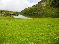 Cabane d'Eychelle (Ariège) (PierreG_09) Tags: ariège pyrénées pirineos couserans bethmale occitanie midipyrénées montagne eychelle cabane cabanedeychelle lac étang étangdeychelle