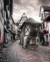 The balcony Eguisheim (Jean-Michel Priaux) Tags: eguisheim alsace france village routedesvins patrimony architecture way path pathway pitoresque picturesque priaux house medieval black bicolor europe timbered colombage littlehouse small