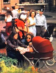 Ost-Berlin der DDR,Menschen in der DDR,GDR,DDR Jugend,NVA Soldaten (SchlangenTiger) Tags: menschen ddrbürger gdr ostberlin ddrjugend nvasoldat