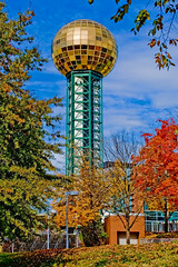 Sunsphere, 810 Clinch Avenue, Knoxville, Tennessee, USA / Architect: Community Tectonics,  Height: 266 ft (81 m) / Completed: 1982 (Photographer South Florida) Tags: knoxville knoxcounty tennessee smokymountainsnationalpark recreation vacation country dollywood hotels city cityscape easttennessee urban architecture commercialproperty realestate skyline historical touristdestination beautifulscenery mountains hills citylights seviercounty volunteerstate rockytop countrymusic gatlinburg gifts shopping restaurants sunsphere worldsfairpark buildings skyscraper highrise ut universityoftennessee 810clinchavenue usa architectcommunitytectonics height266ft81m 1982