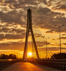 Sunrise on the Bridge (radkuch.13) Tags: warsaw warszawa poland polska europe vistula wisła most bridge świętokrzyski clouds golden sony sonyalpha a7rii sunrise sun
