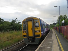 Northern Arriva Class 158 at Staveley (deltrems) Tags: class158 northern arriva dmu diesel multiple unit train rail railway staveley station cumbria
