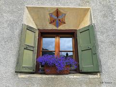 Fenêtre la Guarda 190708-01-P (paul.vetter) Tags: fenêtre engadine