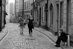Break time (msiapan) Tags: break sweden stockholm gamla stan alley people bw monochrome pebbles