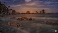 Se pone el Sol en las Rocas (JoseQ.) Tags: rocas sol mar playa arena agua cielo sky silencio asturias paraiso playadelsilencio sony