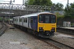Photo of Northern Railway Class 150/1 150150 - Stockport