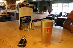 2019 - 19.7.19 The Clachan Cottage Hotel - Lochearnhead (7) (WeeMarie1121) Tags: water skis hotel cottage food drink bar sport marie137