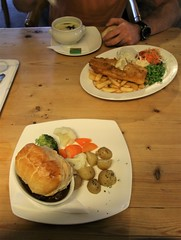 2019 - 19.7.19 The Clachan Cottage Hotel - Lochearnhead (14) (WeeMarie1121) Tags: water skis hotel cottage food drink bar sport marie137