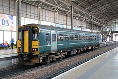 153380 at Leeds, 14.7.2019 (Woodvale) Tags: railway dmu 153380 northernrail leeds