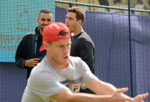 Nick Kyrgios - Diego works while Nick & Cam chat