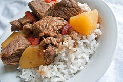 Rice, Beef, and Potatoes (ted.h203) Tags: rice beef potatoes bowl food foodporn whiteonwhite puertorico puertorican dinner dish