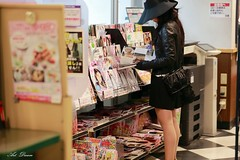 _52R1121 (Arthur's Dream (Dreamer:Thanks for +8.145.000 v) Tags: japan tokyo inexplore girl convenience store explore