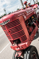 1950 Farmall Tractor (scattered1) Tags: july4th mi marquette upperpeninsula parade michigan summer mccormick 1950 tractor grill northernmichigan red northern independenceday internationalharvester farmall 2019 engine front