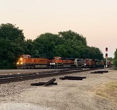 BNSF 4472 (Christian Schnake) Tags: bnsf 4472 1027 632 7319 1657 4299 4449 springfield mo nichols junction mixed freight train trains