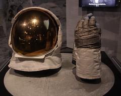 Buzz Aldrin's Moon worn visor & gloves 2019-07-20 SA IMG_2687 (acturpin) Tags: buzzaldrin apollo11 visor gloves moonworn