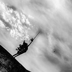La diagonal du flou (Alexandre DAGAN) Tags: bridge sky blackandwhite white black france statue clouds blackwhite noir noiretblanc ciel cielo pont nuages blacknwhite blanc noirblanc aveyron nuves occitanie villefranchederouergue archange pontdesconsuls groupenuagesetciel statuedelarchangesaintmichel