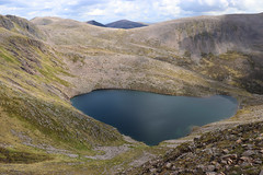 Lochan Uaine (steve_whitmarsh) Tags: aberdeenshire scotland scottishhighlands highlands landscape mountain hills water loch topic