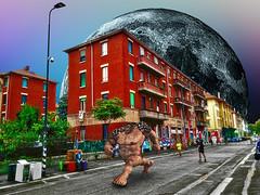 From the Earth to the Moon Marathon (Marco Trovò) Tags: marcotrovò hdr milano italia italy città city strada street edificio building naviglio waterway gente people fantasy