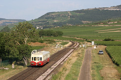 Picasso between Remigny and Santenay, Burgundy (hktrains) Tags: france french railcar sncf train railways railway autorail diesel hills vineyard vallée abfc picasso