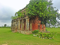 The ruins of the Revenue House !! (Lopamudra !) Tags: ocean sea sky cloud india color colour building tree green nature beautiful beauty clouds rural landscape island ancient ruins colours horizon colonial structure british verdant colourful pastoral past picturesque ruler bengal colony revenue westbengal bayofbengal lopa lopamudra lopamudrabarman mausuni mousui monsoon monsoonphotography