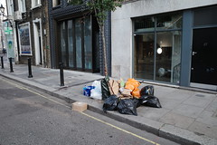 20190717T05-59-00Z (fitzrovialitter) Tags: england fitzrovia gbr geo:lat=5151877000 geo:lon=014007000 geotagged unitedkingdom peterfoster fitzrovialitter city camden westminster streets urban street environment london streetphotography documentary authenticstreet reportage photojournalism editorial daybyday journal diary captureone ricohgriii apsc 183mm ultragpslogger geosetter exiftool