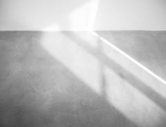 LightFall-2.jpg (Klaus Ressmann) Tags: klaus ressmann omd em1 abstract fparis france floor iaowa75mm winter blackandwhite design flcstrart gallery minimal shadows softtones streetart klausressmann omdem1