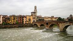 Limone-164 (NiBe60) Tags: italien venetien verona brücke ponte pietra etsch adige campanile duomo di cattedrale dom santa maria matricolare stone bridge bell tower cathedral
