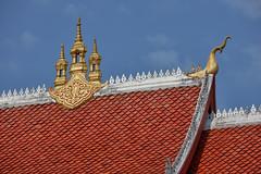 Luang Prabang – Temple roof (Thomas Mulchi) Tags: roof temple buddhism laos buddhisttemple luangprabang 2019 happyplanet asiafavorites
