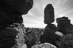Arizona - Chiricahua National Monument (Michael.Kemper) Tags: black white bw wb blackandwhite schwarz weis weiss schwarzweis schwarzweiss noir et blanc noiretblanc monochrome walk walking hike hiking wanderung wandern randonnée randonnee voyage travel travelling reise vacation urlaub usa us united states america vereinigte staaten von amerika american southwest amerikanischer südwesten arizona az chiricahua national monument nm hoodoo hoodoos rock rocks fels felsen balanced canon eos 6 d 6d ef 1635 16 35 f4 f 4 l is usm mountain mountains berg berge