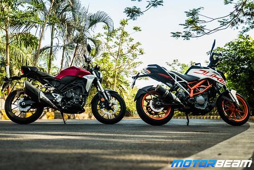 Honda-CB300-R-vs-KTM-Duke-390-7