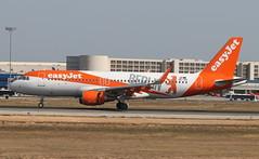 U2 A320S OE-IZQ Berlin (Spenair777) Tags: