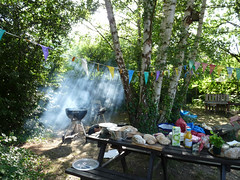 July 13th, 2019 Preparing for the barbecue at Oxford Road Community Garden (karenblakeman) Tags: reading uk oxfordroadcommunitygarden barbecue food trees july 2019 2019pad berkshire