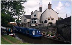 Gliding Past the Boat Inn (zweiblumen) Tags: theboatinn inn tavern pub canal narrowboat gnosallcanalfestival gnosall staffordshire england uk canoneos50d polariser zweiblumen