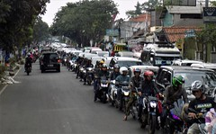 Bandung Java Traffic 20190331_132606 DSCN4334 (CanadaGood) Tags: color colour tree indonesia java highway asia seasia traffic westjava indonesian asean javanese 2019 canadagood thisdecade bandung