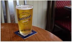 Thatchers Cider (zweiblumen) Tags: thatchers cider pint inn pub tavern theboatinn gnosall staffordshire england uk canoneos50d polariser zweiblumen
