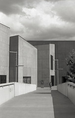 The Hepworth, Wakefield 3 (vickyhindle) Tags: blackwhite 35mmfilmphotography canoneos3 canonef50f14 ilford delta 100 ilfotecddx thehepworth sculpture architecture