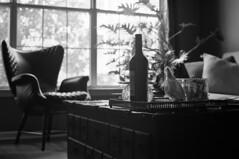Atlanta condo (ScottWarren86) Tags: kodak trix400 trix bw blackandwhite mono monochrome film pentax pentaxlx lumensphotolab condo interior furniture zeiss planart1450
