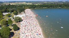 Luftbild vom Sandstrand Otto-Maigler-See in Hürth, Deutschland