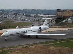 N671LE Gulfstream G550 (AVN Air LLC) (Aircaft @ Gloucestershire Airport By James) Tags: luton airport n671le gulfstream g550 avn air llc bizjet eggw james lloyds