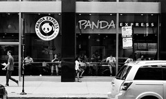 LeicaCLTriXCanonLTM5018July2019-17 (chicago8c) Tags: leicacl analog blackandwhite canon50mm18ltm canonltm50mm18 chicago classiclens film filmphotography kodak kodaktrix leica leicathreadmount ltm street streetphotography trix
