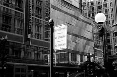 LeicaCLTriXCanonLTM5018July2019-5 (chicago8c) Tags: leicacl analog blackandwhite canon50mm18ltm canonltm50mm18 chicago classiclens film filmphotography kodak kodaktrix leica leicathreadmount ltm street streetphotography trix