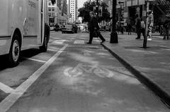 LeicaCLBerlin400CanonLTM5018July2019Exports-11 (chicago8c) Tags: leicacl trix400 analog canon50mm18ltm canonltm50mm18 chicago city classiclens film filmphotography illinois kodak kodaktrix leica leicathreadmount lomographyberlin400 ltm street streetphotography trix urban