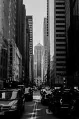 LeicaCLBerlin400CanonLTM5018July2019Exports-5 (chicago8c) Tags: leicacl trix400 analog canon50mm18ltm canonltm50mm18 chicago city classiclens film filmphotography illinois kodak kodaktrix leica leicathreadmount lomographyberlin400 ltm street streetphotography trix urban