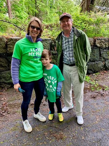 Caroline Wallach organized volunteers for the day! Pictured here with NY State Assemblyman Steve Otis