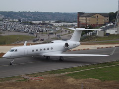 N51VE Gulfstream G550 (Bank of Utah Trustee) (Aircaft @ Gloucestershire Airport By James) Tags: luton airport n51ve gulfstream g550 bank utah trustee bizjet eggw james lloyds